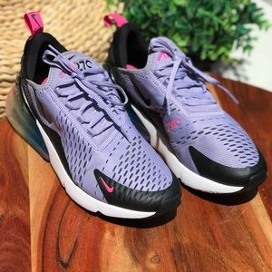NIKE💜💜Air Max 270 Woman's size 8